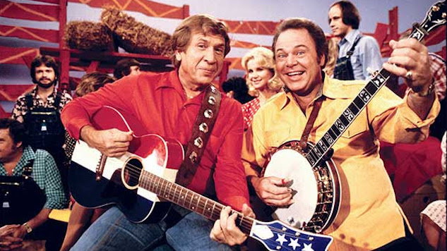 Country Singer and <i>Hee Haw</i> Host Roy Clark Dead at 85