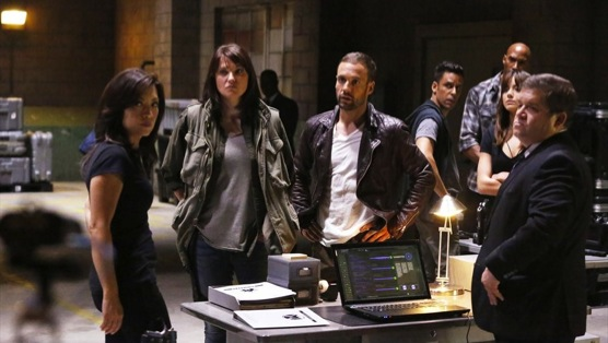 <i>Marvel&#8217;s Agents of S.H.I.E.L.D.</i>  Review: &#8220;Shadows&#8221;