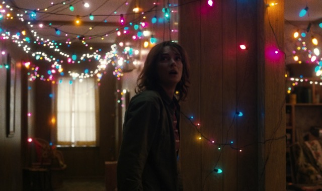 STRANGER-THINGS-joyce.jpg