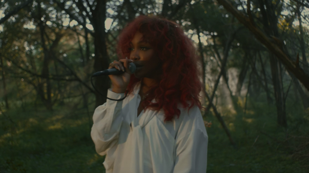 "Experience SZA Performing ""Go Gina"" in The Woods"