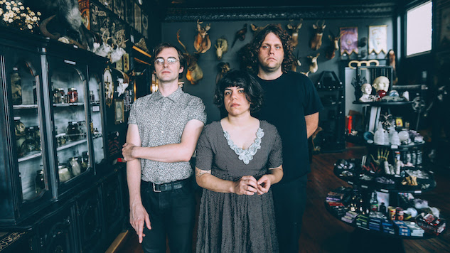 "Screaming Females Share Blistering New Single ""Black Moon"""