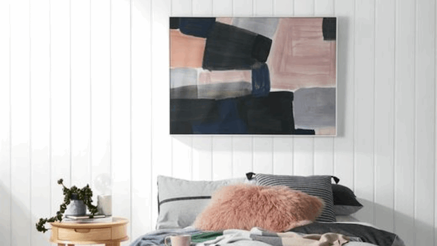 Pretty Wall Art That Can Fly Solo