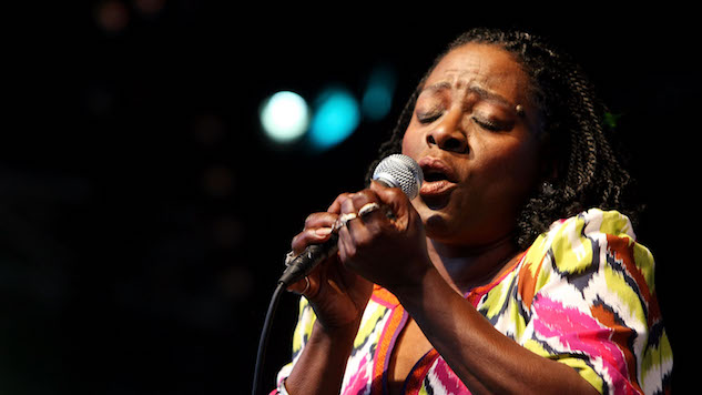 "Daptone Records Shares Sharon Jones & The Dap-Kings' Elegant ""Call on God"""