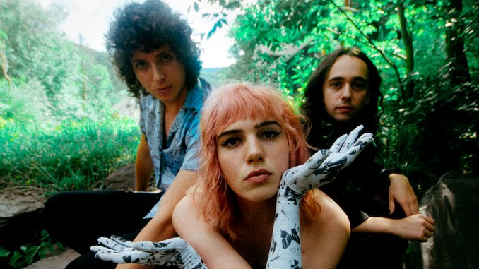 "Sunflower Bean Share Video for New Single ""Moment In The Sun"""