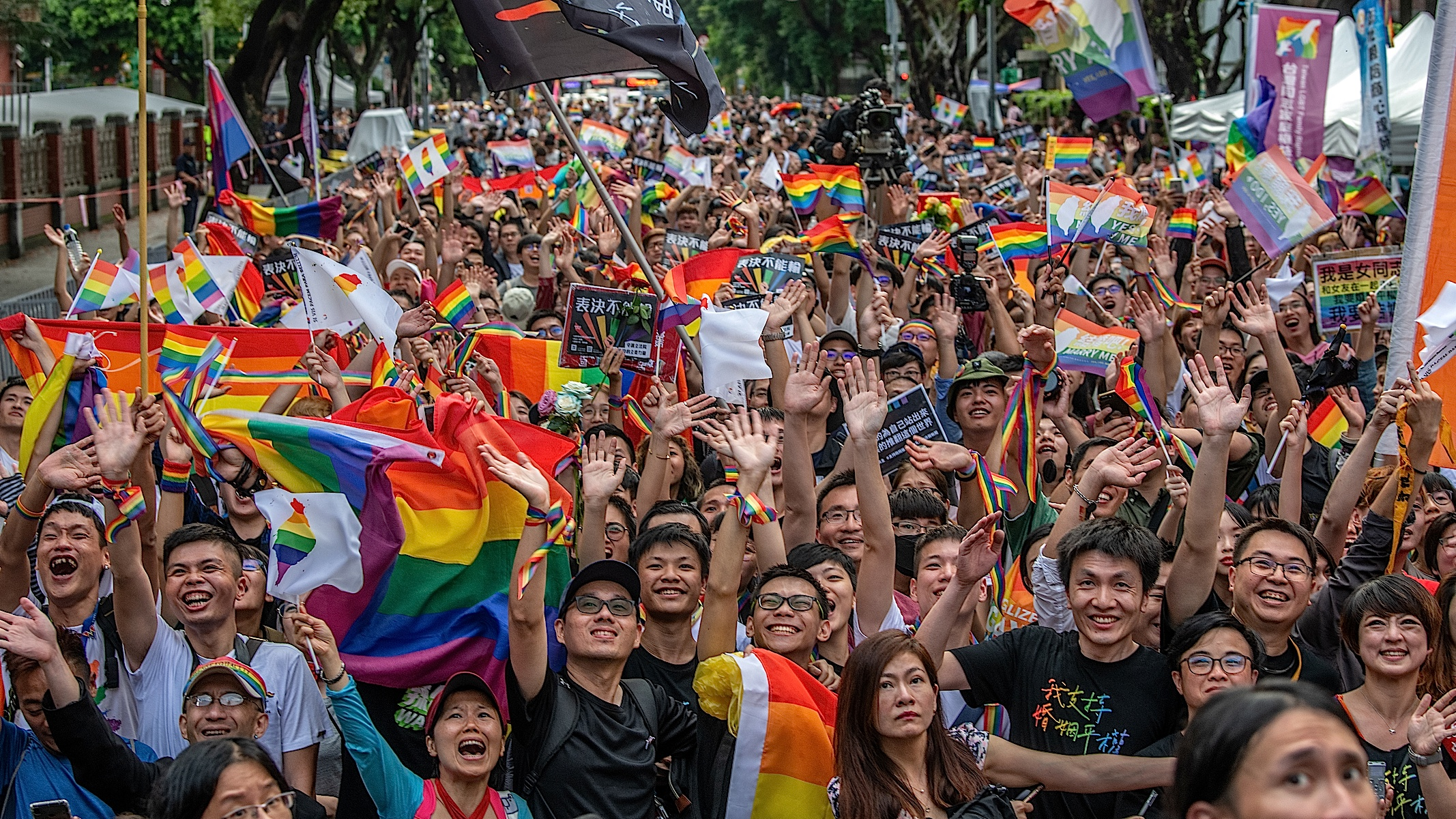 Taiwan Becomes First Asian Country to Legalize Gay Marriage