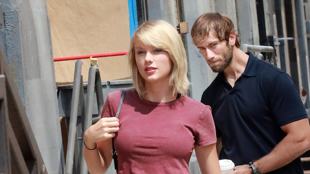 Taylor Swift and a Particularly Unlucky Onlooker Get the Photoshop Battle Treatment