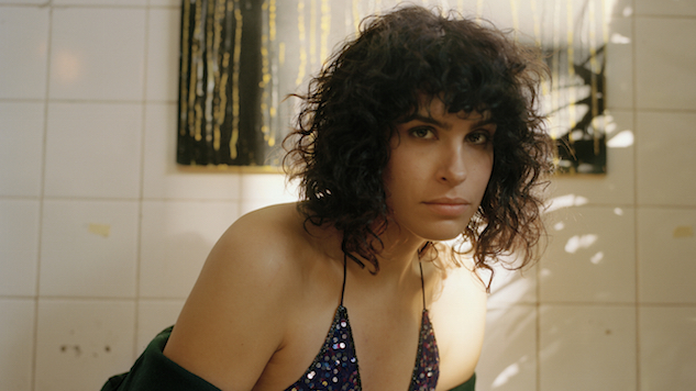 Does Desiree Akhavan's <i>The Bisexual</i> Skewer Stereotypes, or Succumb to Them?