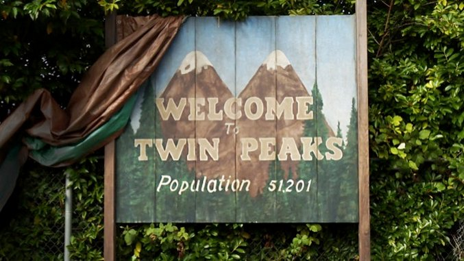 Showtimes Reveals <i>Twin Peaks</i> Revival Premiere Date, Episode Count