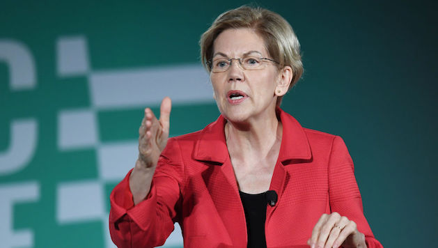 "Is Donald Trump a White Supremacist? Elizabeth Warren Says ""Yes"""