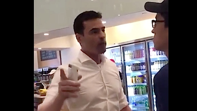 White American Man Gets Mad at Fresh Kitchen Workers Speaking Spanish Threatens to Call ICE