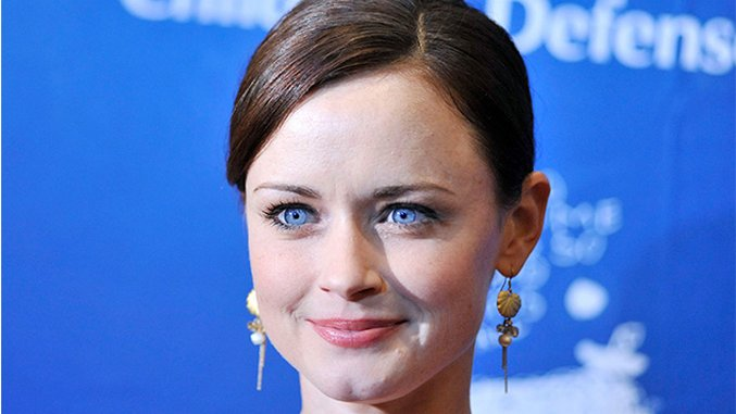 Alexis Bledel Will Return As a Series Regular for Season Two of <i>The Handmaid's Tale</i>