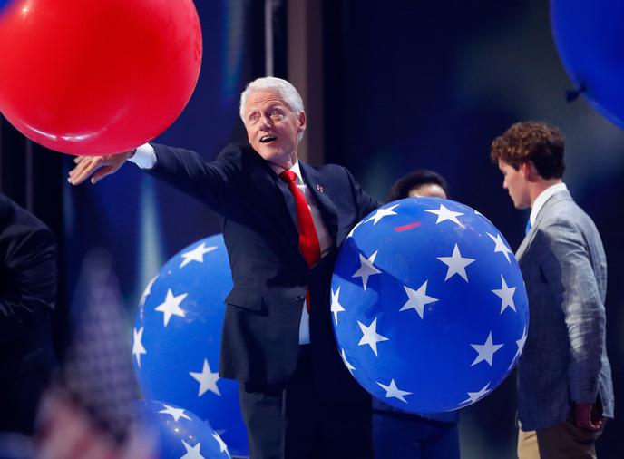 clinton balloons.jpg