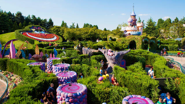 Disneyland Paris Alice Labyrinth