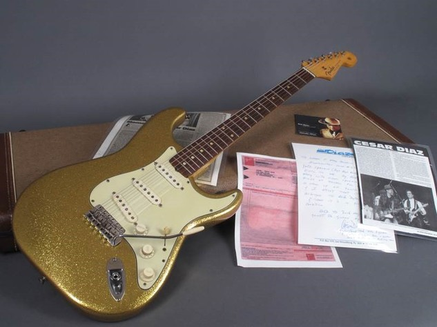 Dylan Guitar 1.jpg