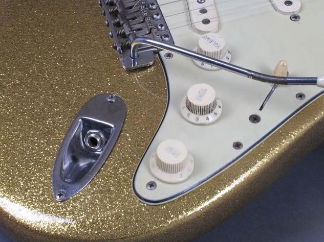 Dylan Guitar 14.jpg