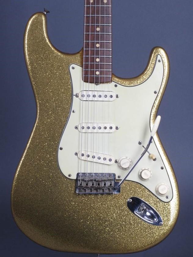 Dylan Guitar 4.jpg