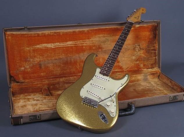 Dylan Guitar 7.jpg