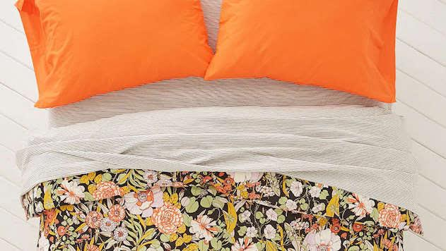 Go Floral With These 10 Bedspreads
