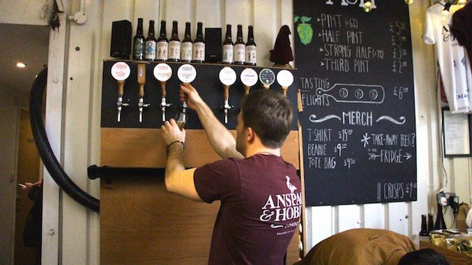 "London's ""Beer Mile"" Has 10 Breweries In One Mile"