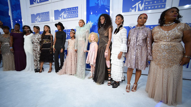 Beyonce and Blue Ivy were worth millions on MTV VMAs red carpet