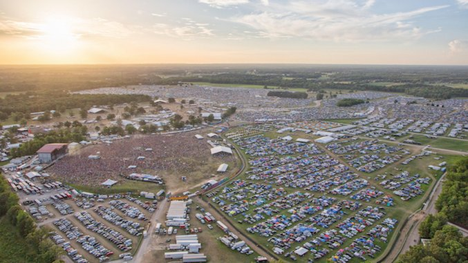 Festival Outsider: Bonnaroo Music and Arts Festival, Manchester, Tennessee