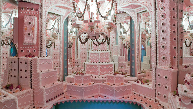 L.A. Gallery Features Enormous, Too Good To Be True Cake Maze