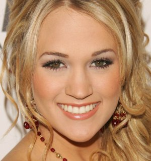 http://www.pastemagazine.com/articles/carrie-underwood-vegan07.jpg