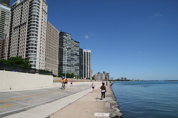chicago-lakefront-trail-bernt-rostad.jpg