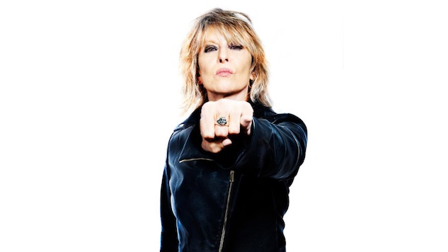 "Chrissie Hynde Releases New Single, ""Que reste-t-il de nos amours?"""