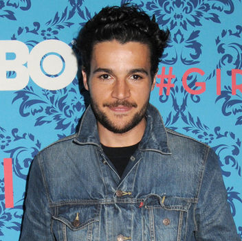 Christopher Abbott 2018 noire cheveux & alternative style de cheveux.