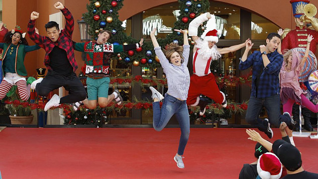 """<i>Crazy Ex-Girlfriend</i> Review: """"My Mom, Greg&#8217;s Mom and Josh&#8217;s Sweet Dance Moves"""" (1.08)"""