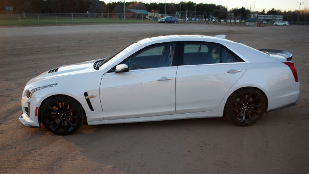 What the 2016 Cadillac CTS-V Feels Like Around a Hairpin Turn