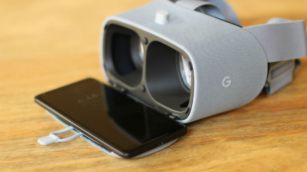 Daydream View (2017) Review: Virtual Reality for the Masses