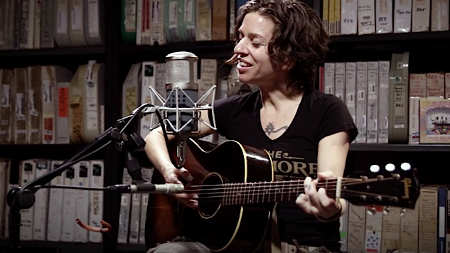 "Watch Ani DiFranco Cover Woody Guthrie's ""Do Re Mi"" at Paste"