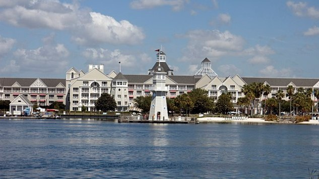 Disney S Yacht Club Resort Review New England Charm At World