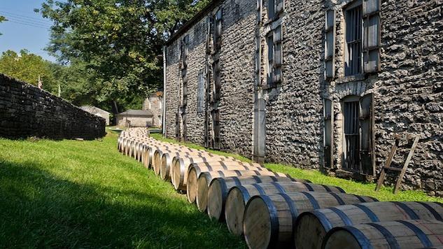 distillery-barrels-614446_640.jpg