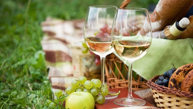 Wine Alfresco: The Best Wines for a Picnic