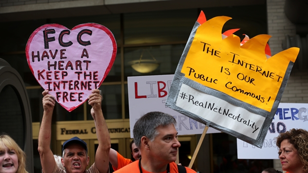 Fcc Net Neutrality Portugal >> Thanks to the FCC, the Internet as We Know It Is Dead and Gone :: Politics :: Features :: Net ...