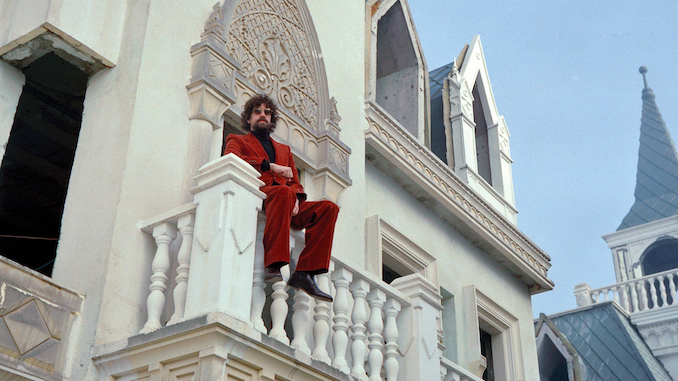 Gaspard Augé's <I>Escapades</I> Is an Exercise in Ego Death