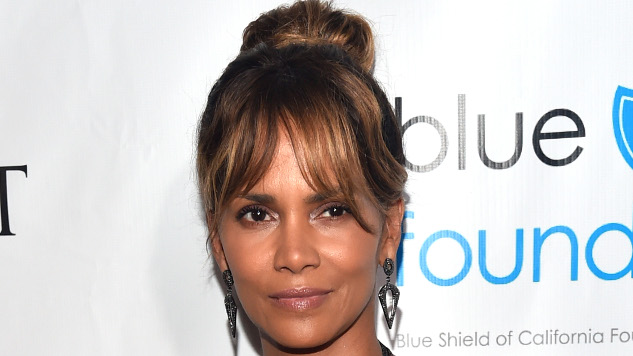 Halle Berry to Make Directorial Debut, Star in MMA Drama <i>Bruised</i>