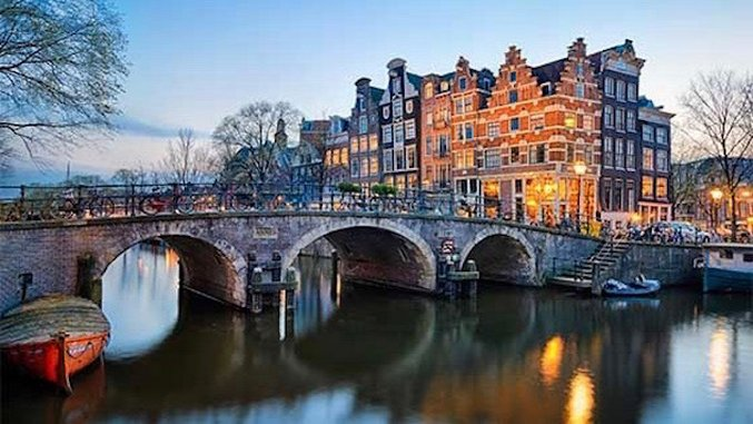 Forget Dope, Amsterdam is a Beer Paradise: 7 Places to Drink in The Dam
