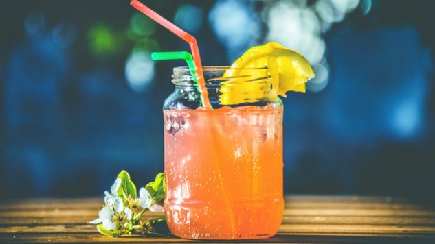 This App Gets You A 'Free' Cocktail Everyday for $10/Month