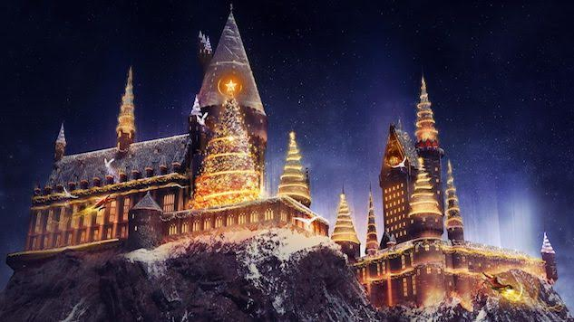 Christmas Is Coming to the Wizarding World of <i>Harry Potter</i>