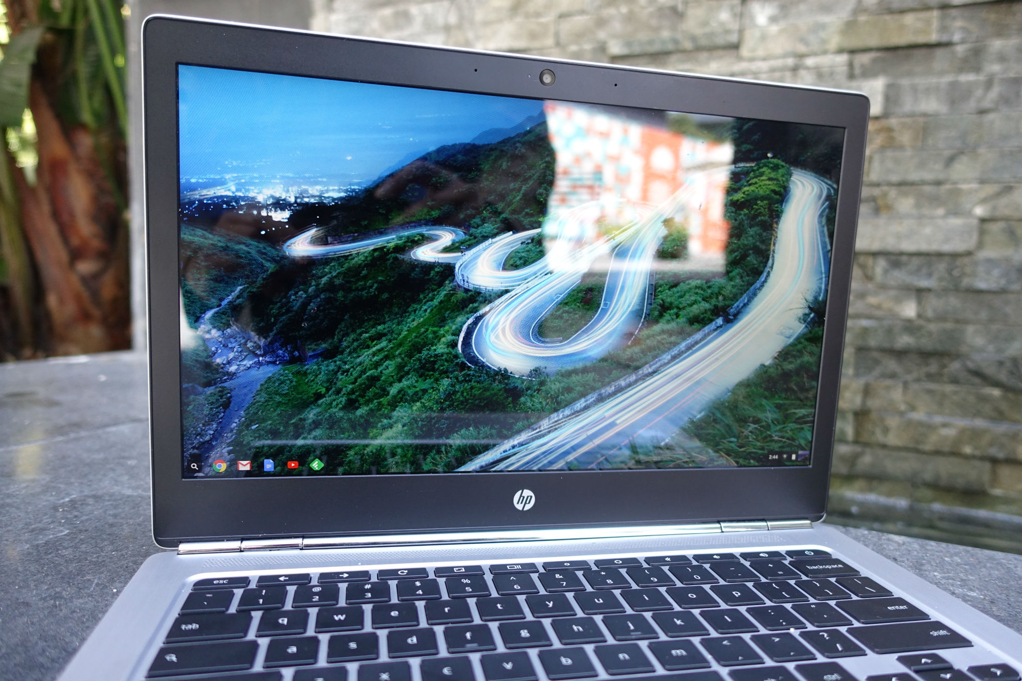 hpchromebook13 display.jpg