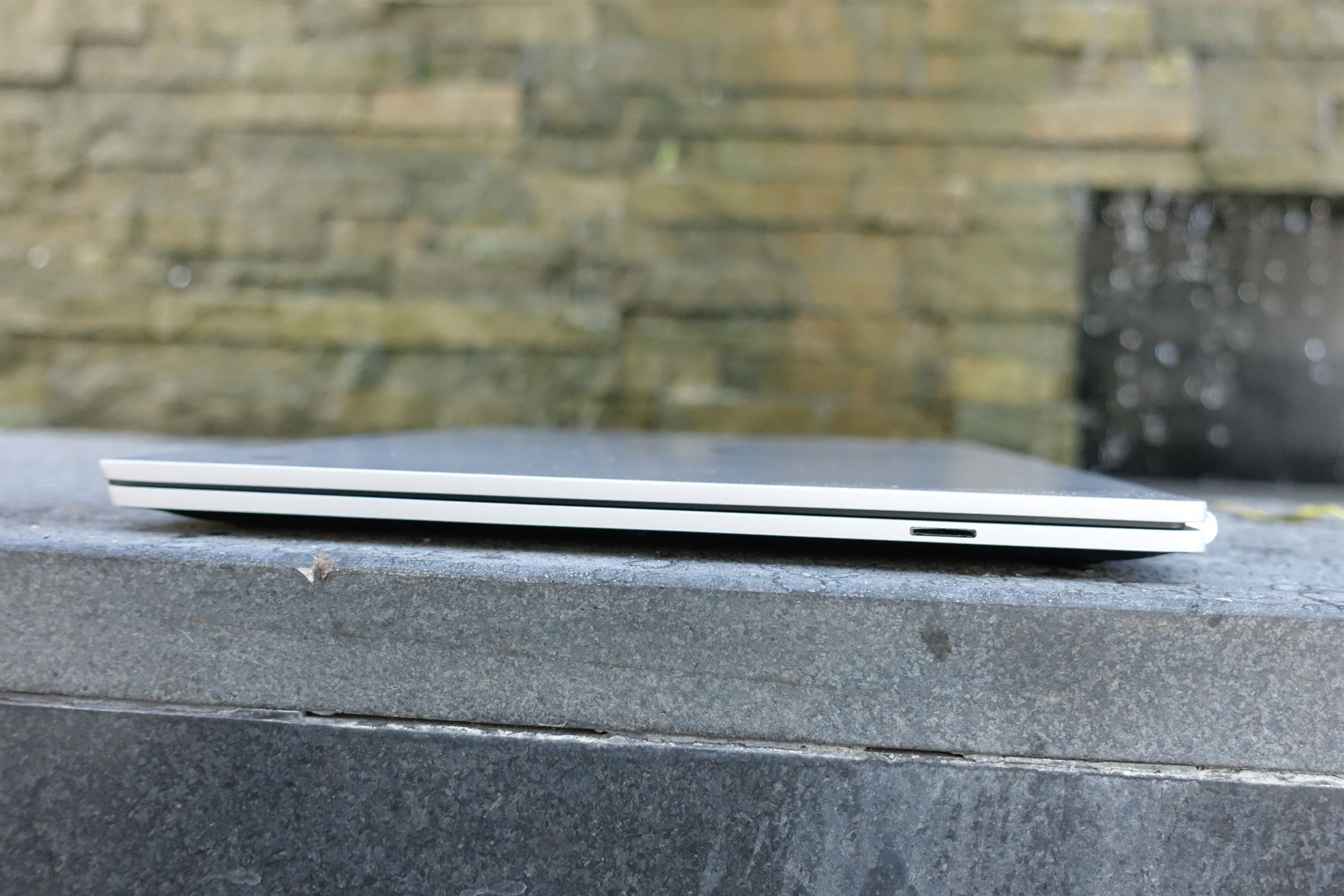 hpchromebook13 thin.jpg