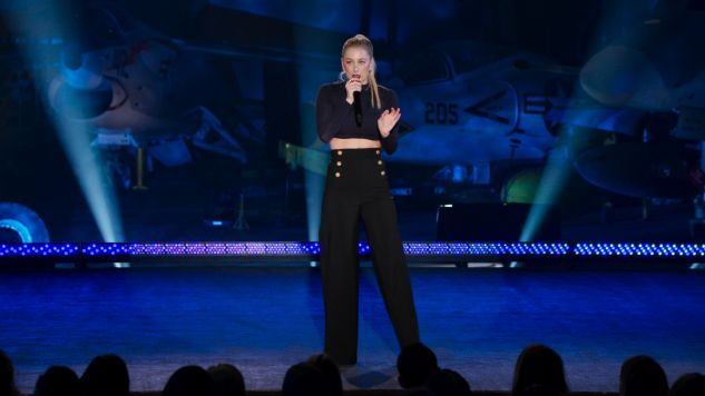Iliza Shlesinger Passes the Torch with <i>Elder Millennial</i>