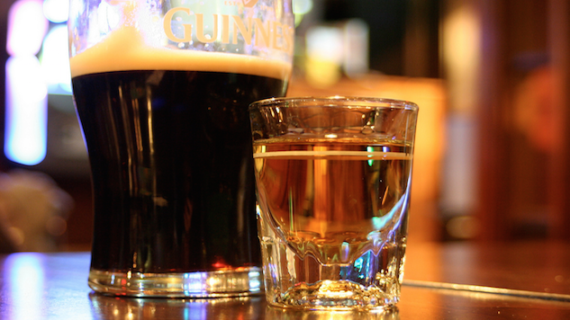 How to Distinguish a Traditional Irish Pub from a Fake