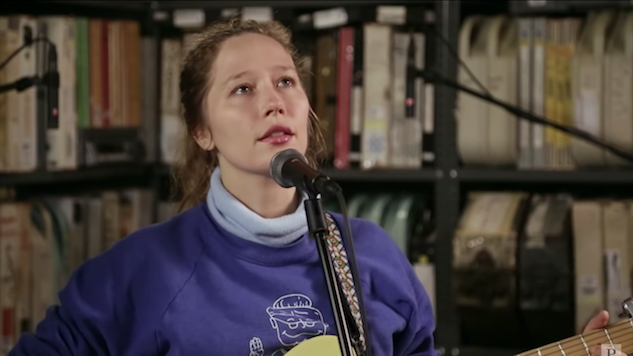 Watch Julia Jacklin Play Songs from New Album <i>Crushing</i> in the <i>Paste</i> Studio