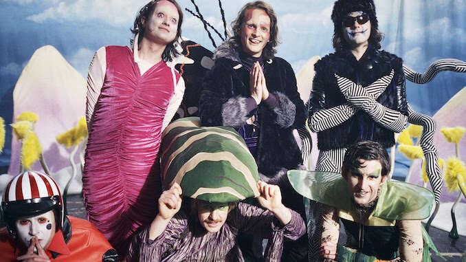 "King Gizzard & The Lizard Wizard Share Transformative Video for ""Catching Smoke"""