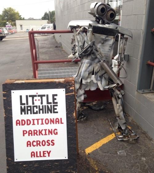little machine robot (Custom).jpg